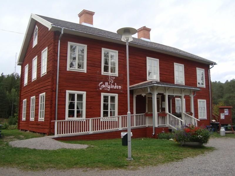 Gullgårdsstugan. Byggnaden är från 1844 och har genomgått en omfattande renovering 2002.
