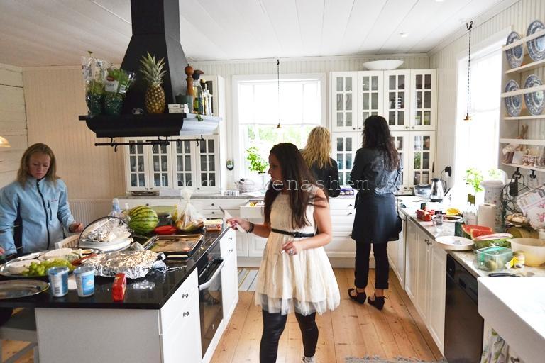 I köket var det kaos mest hela tiden. TACK alla för hjälp med uppläggning ocg