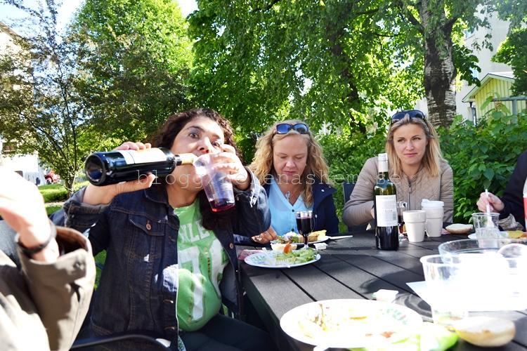 Maria, Lizettie och Jessica. Ja just mer att dricka ja :D