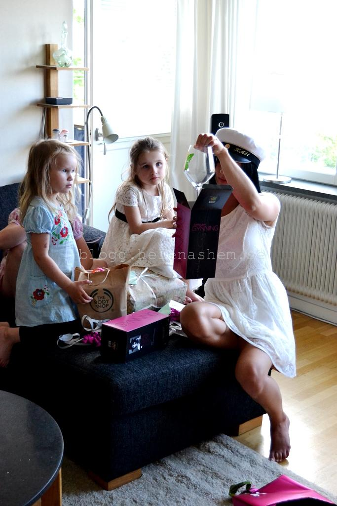Presentöppning hemma hos Emelie
