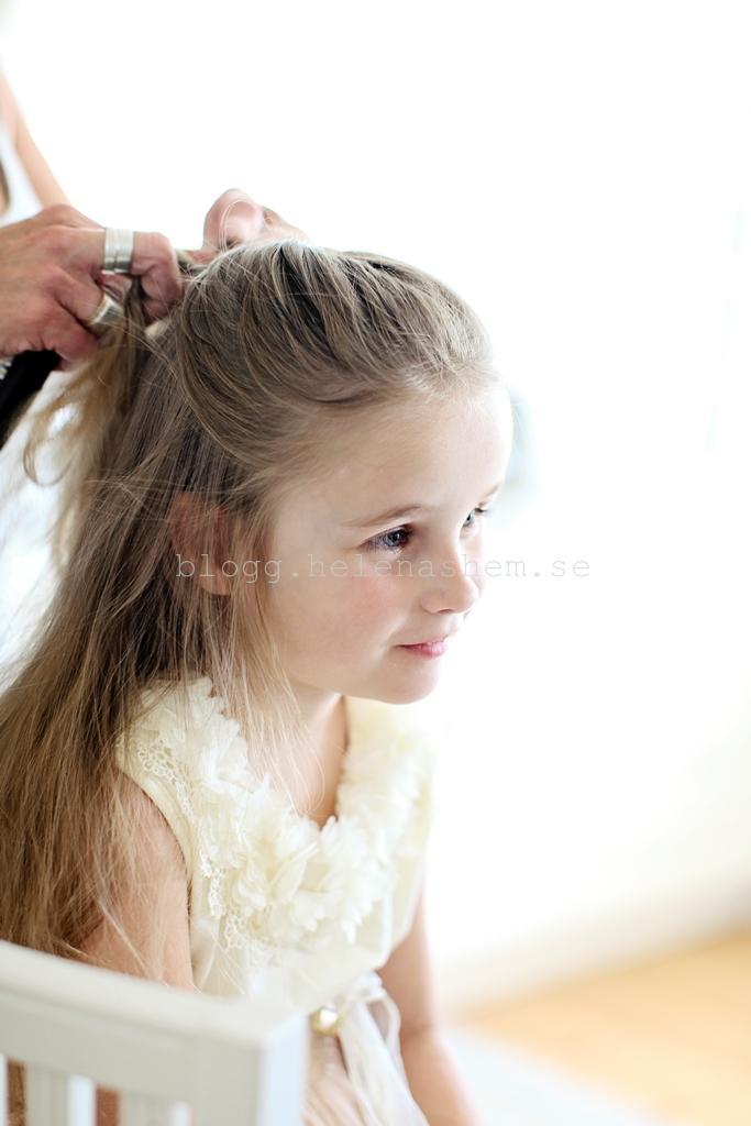 Betty ombytt och får håret fixat