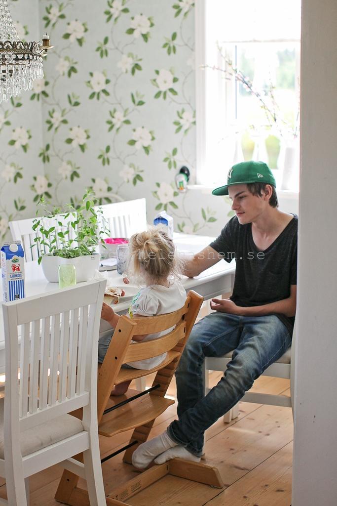 Två av mina fina fem barn. Gustav och Meya
