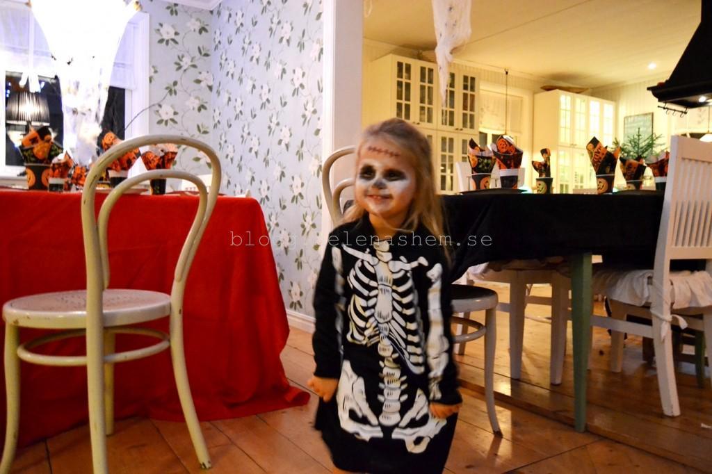 MEYA var ett läskigt skelett