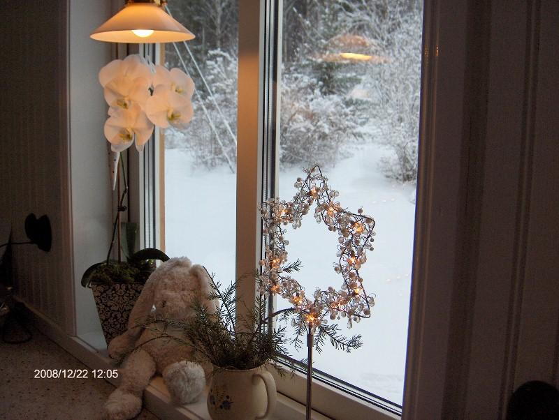 Visst blir det genast en mysigare julkänsla med det vita täcket av snö?!
