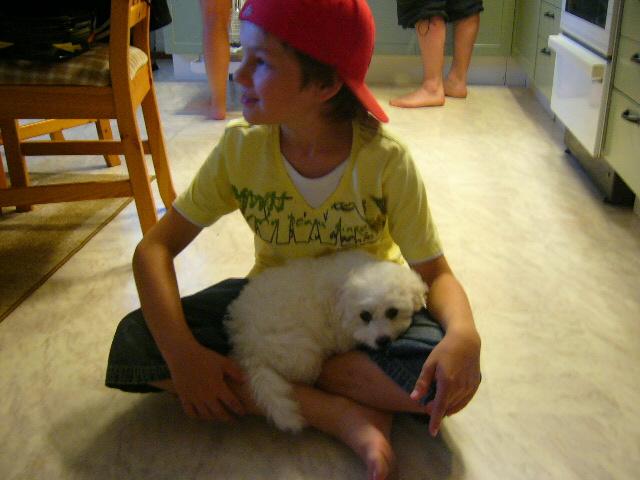 Gustav 10 år med bebis Molly!