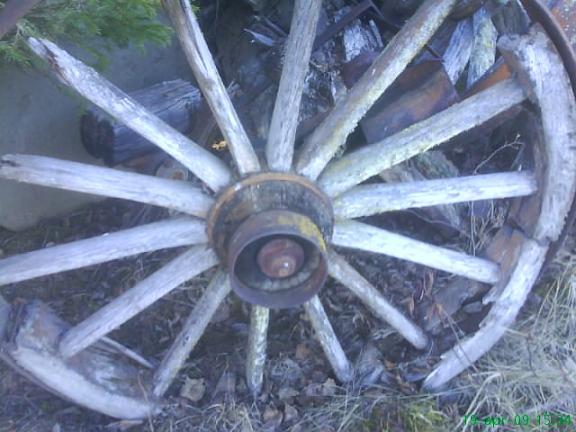 Gammalt trähjul