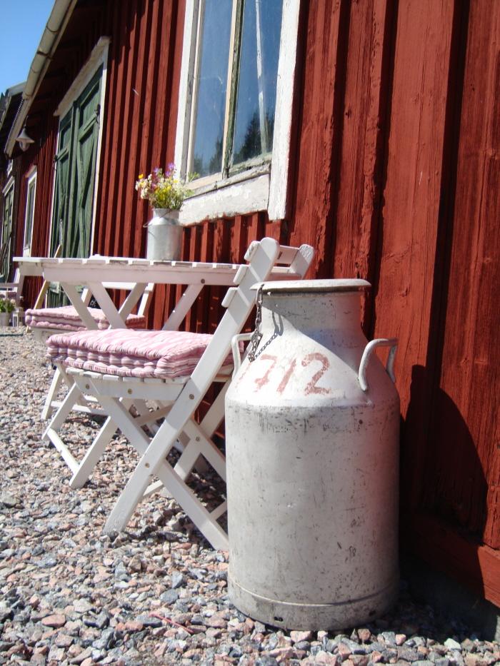 Den lilla och stora Mjölkannan är från när det fanns mjölkor på gården.